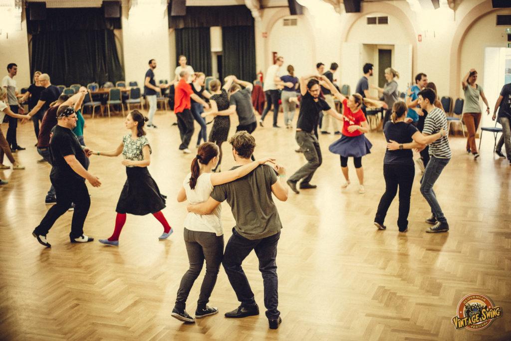 ples swing, swing plesni tečaji, swing plesna družina, Vintage Swing